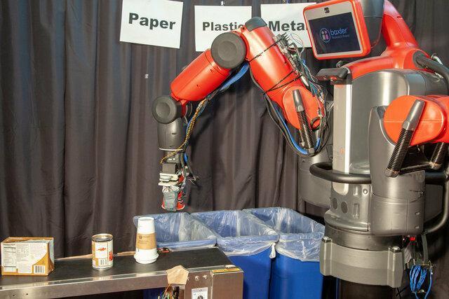 بازیافت زباله با رباتی که حس لامسه دارد