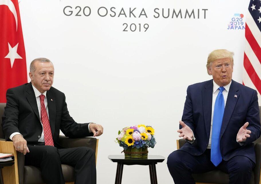 ترامپ: شرایط پیچیده ای در خصوص خرید سامانه اس-400 با ترکیه داریم