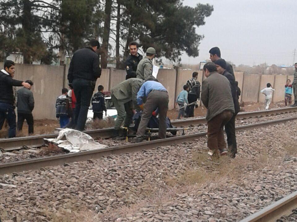 خبرنگاران تصادف با قطار جان جوان نکایی را گرفت