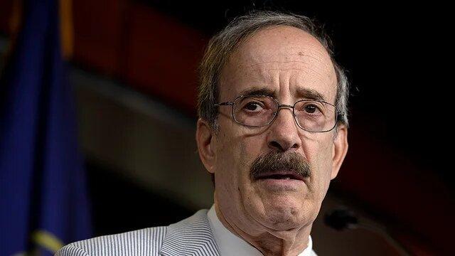 الیوت انگل: پامپئو با سوءاستفاده از اختیاراتش فروش تسلیحاتی به عربستان را پیش برد