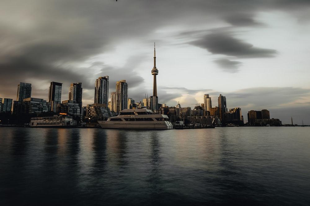 تورنتو شهر مهاچرپذیر و پایتخت مالی کانادا