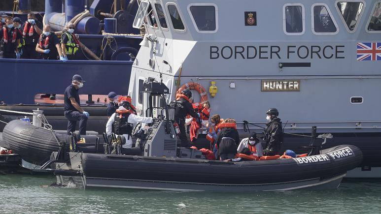 توافق جدید برای توقف کامل عبور مهاجران از کانال مانش