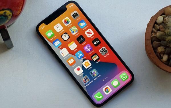 اپل در آیفون 13 ممکن است از طراحی آیفون های قدیمی استفاده کند