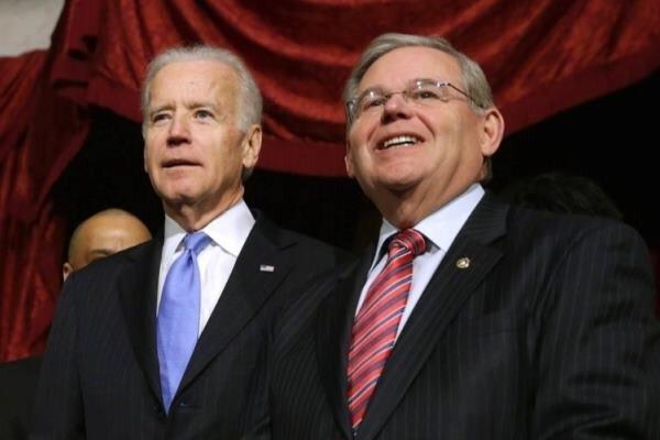 سناتور منندز خواستار تمدید حضور نظامیان خارجی در افغانستان شد